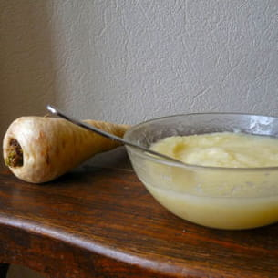 velouté de panais à l'huile de noisette