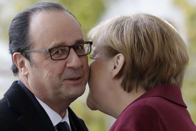 François Hollande et Angela Merkel, pas en bise-bille