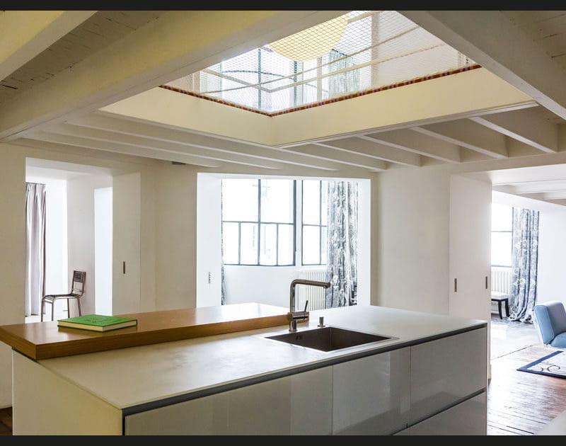 Un duplex avec un puits de lumière