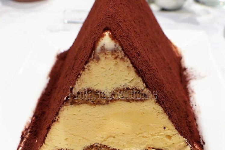 Bûche glacée pyramidale façon tiramisu