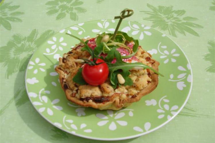 Tartelette aux légumes en crumble de pignons de pin