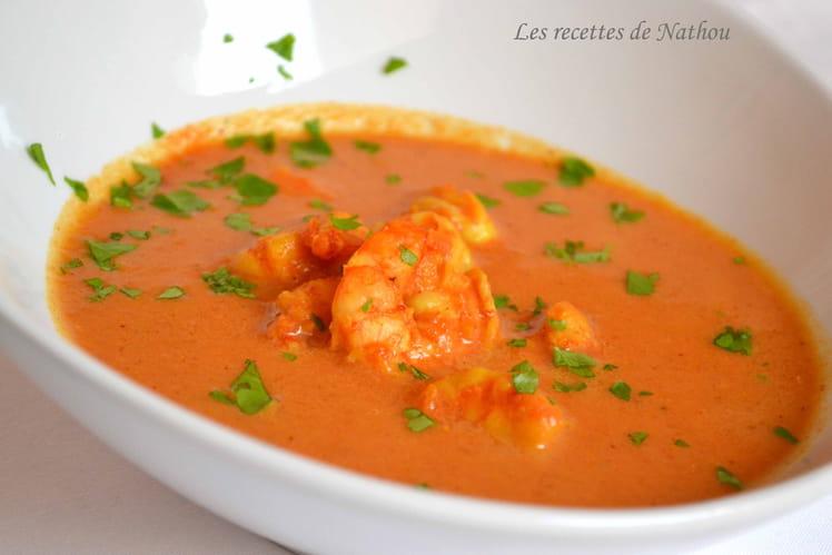 Soupe de tomates aux gambas, épicée au massalé