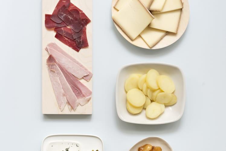 recette de raclette traditionnelle la recette facile. Black Bedroom Furniture Sets. Home Design Ideas