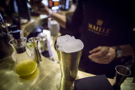"""Recette du cocktail """"Maille Fleur de Lys"""" : étape 6"""