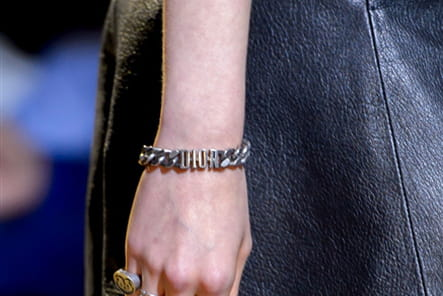 Christian Dior (Close Up) - photo 19