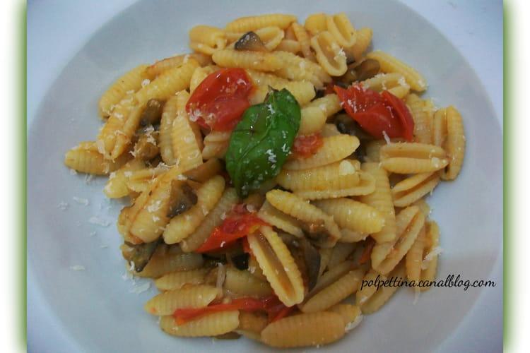 Gnocchetti sardi, aubergines et tomates-cerises