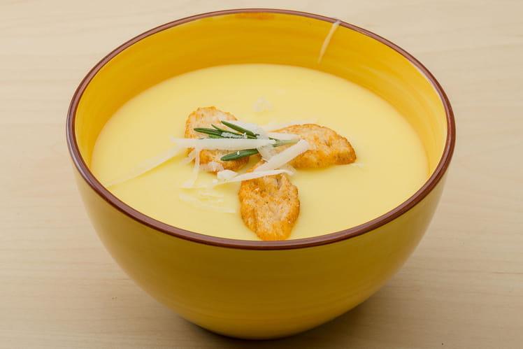Soupe de chou-fleur à l'indienne