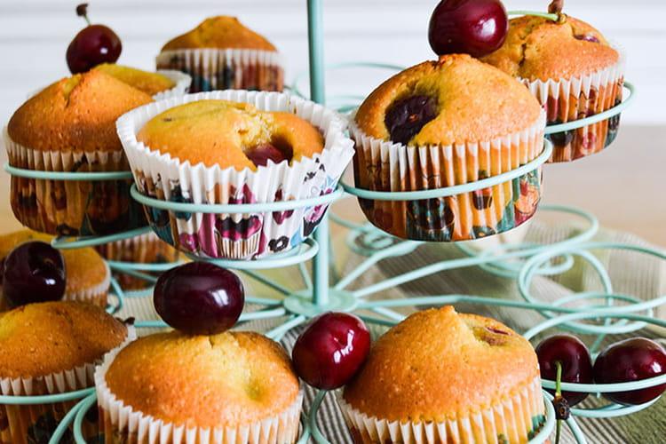 Muffins moelleux aux cerises et aux amandes