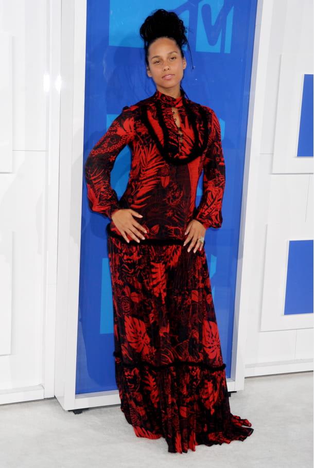 Alicia Keys en robe longue imprimée