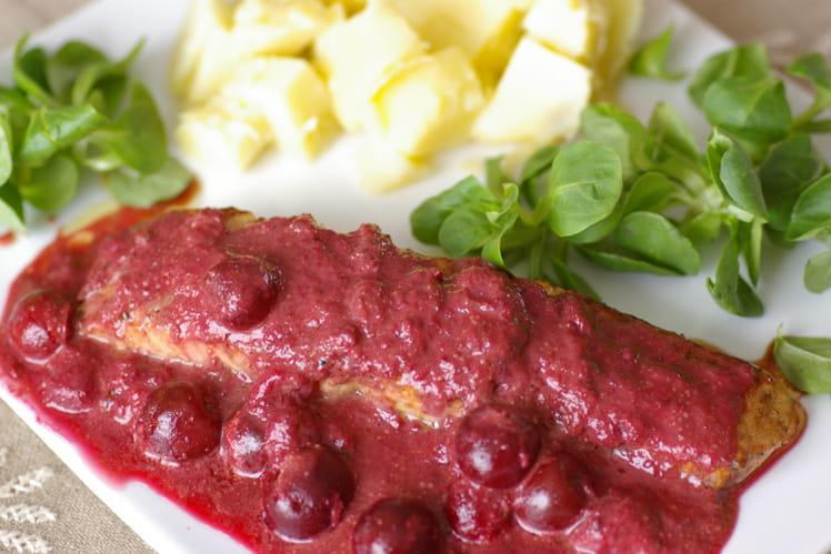 Saumon sauce cerise et curry rouge
