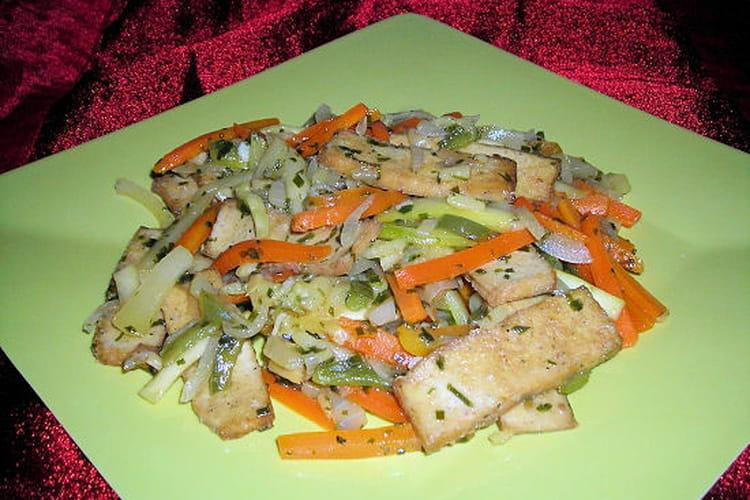 Julienne de légumes au gingembre et au tofu