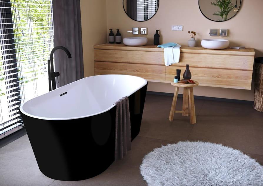 Une baignoire îlot en total black