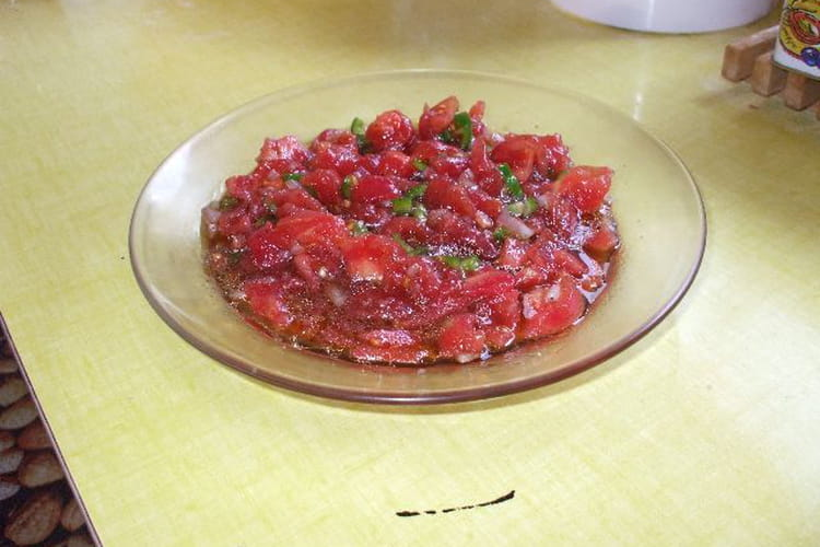 Salade de tomates epicée