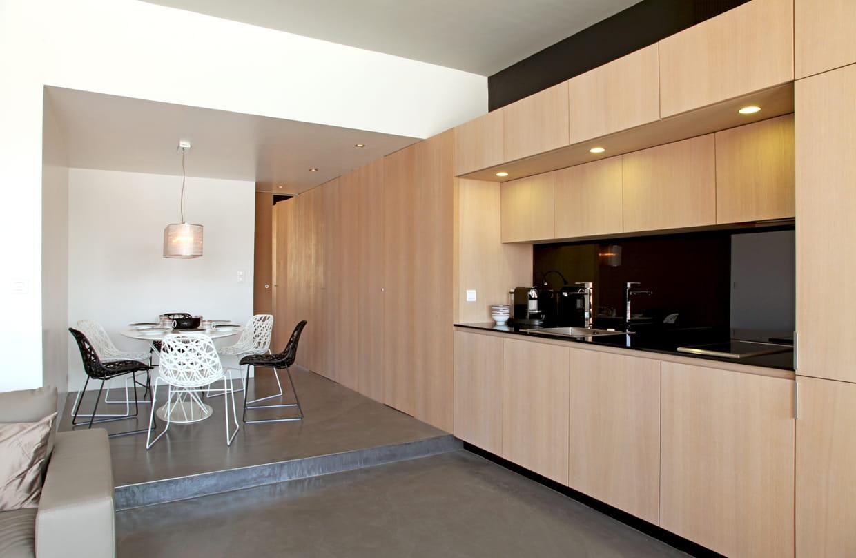 une cuisine design modulable. Black Bedroom Furniture Sets. Home Design Ideas