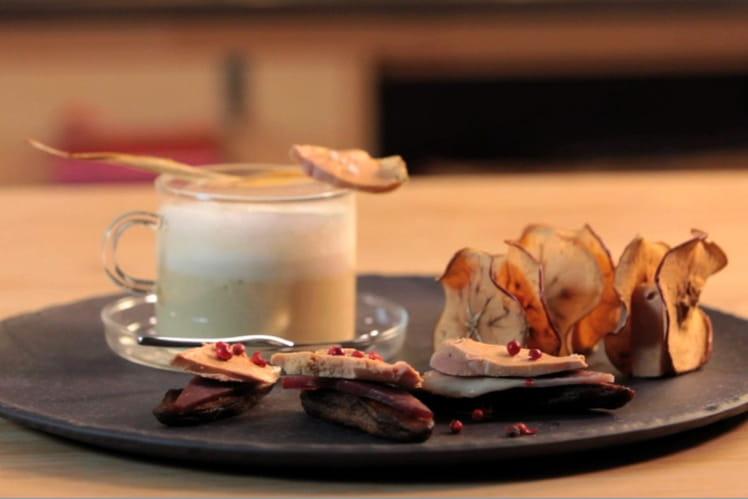 Capuccino de panais, Chips de pomme au foie gras, Bouchées de banane séchée
