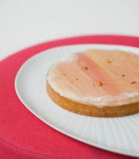 tarte feuilletée à la rhubarbe.