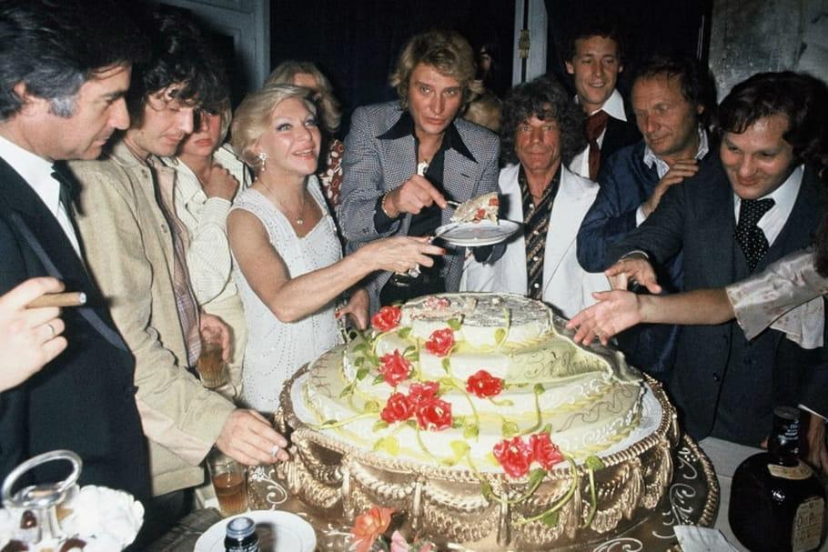 Johnny Hallyday: ses amis, des amours aux emmerdes