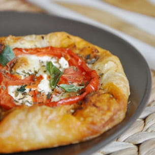 feuilletés tomate fromege chèvre à la provençale