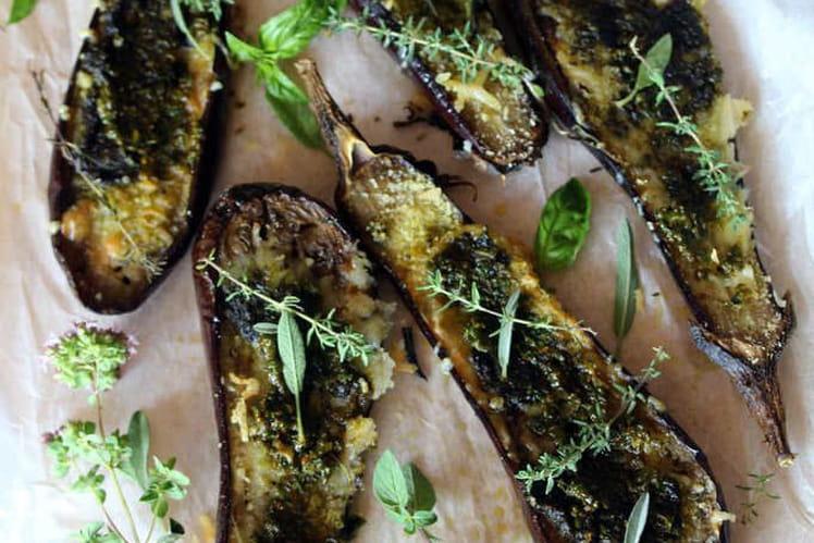 Aubergines gratinées au pesto et comté