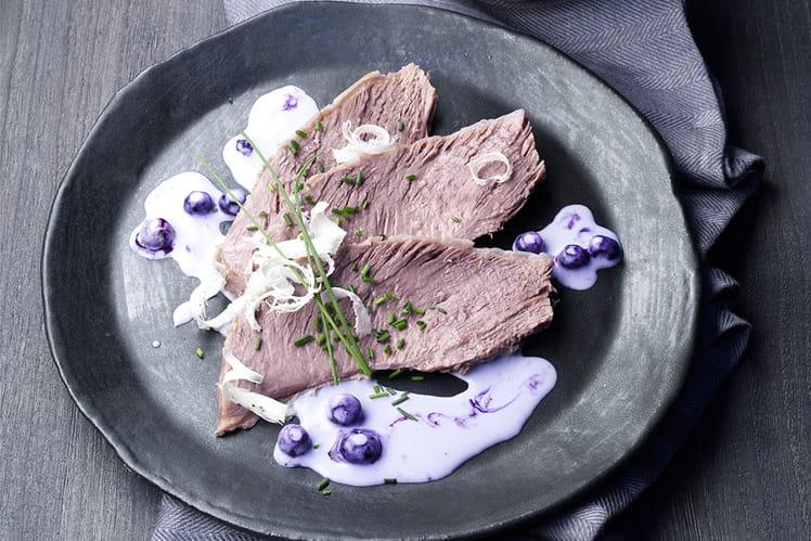 Pot-au-feu viennois avec sauce raifort aux myrtilles