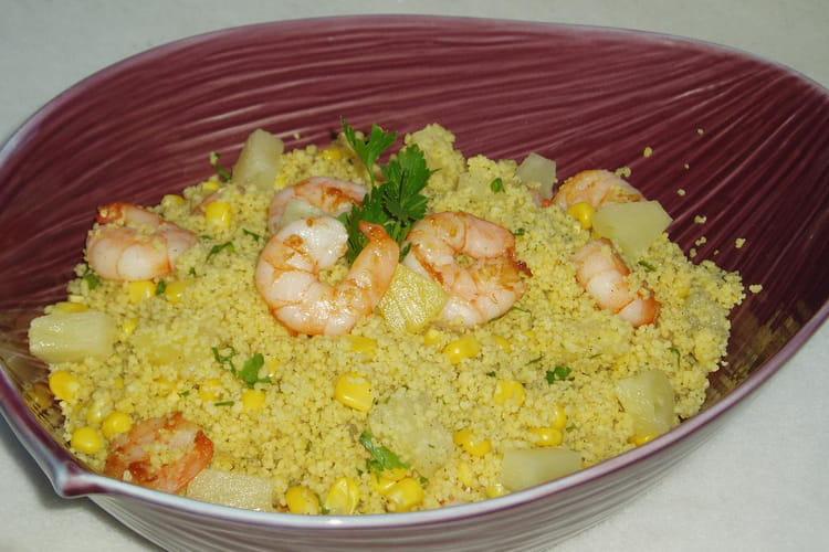 Salade de semoule aux crevettes, ananas et curry