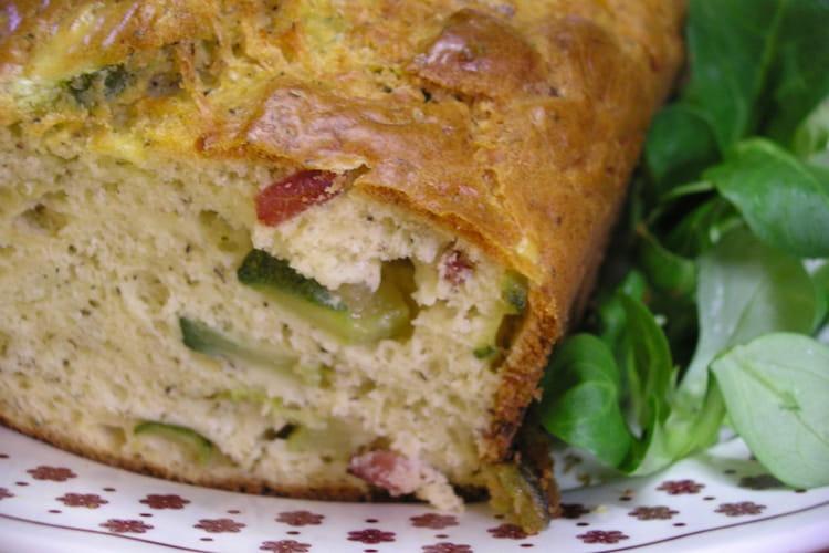 Cake aux courgettes et aux lardons parfumé à l'huile d'olive
