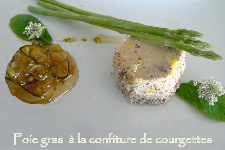Foie gras aux noisettes, confiture de courgettes