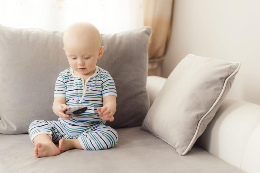 Piles bouton et jouets pour enfants : attention danger