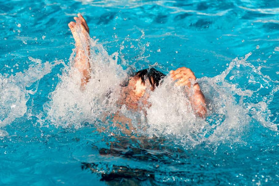 Comment éviter de se noyer: conseils adultes, enfants pour la baignade