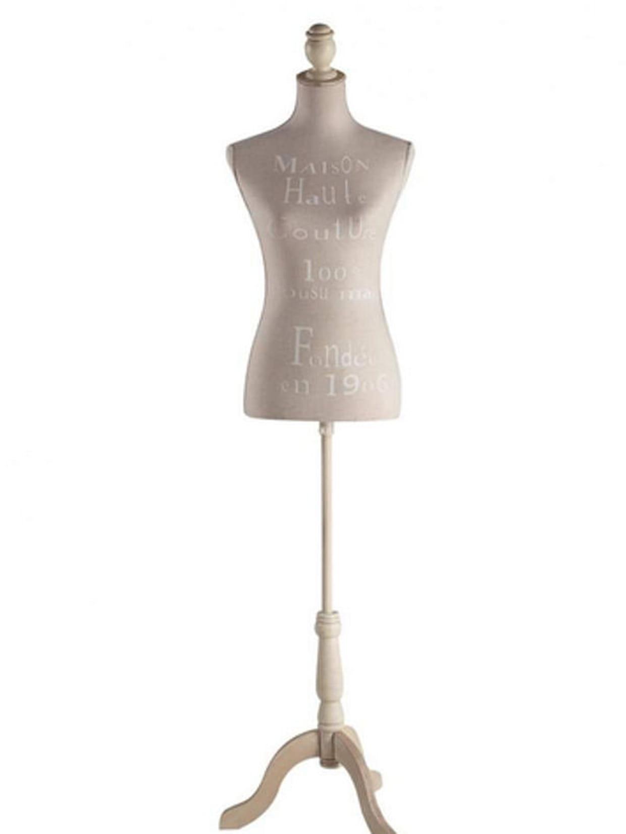 mannequin couture. Black Bedroom Furniture Sets. Home Design Ideas