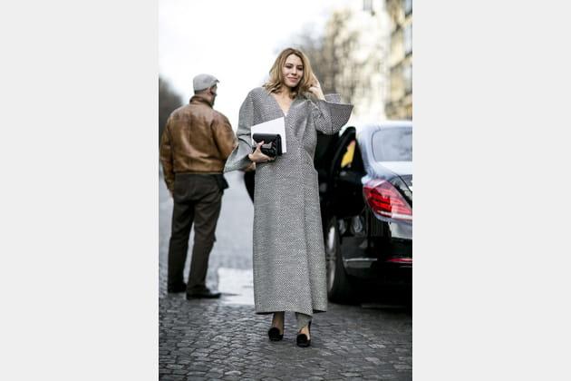 Street style à Paris : la robe manteau