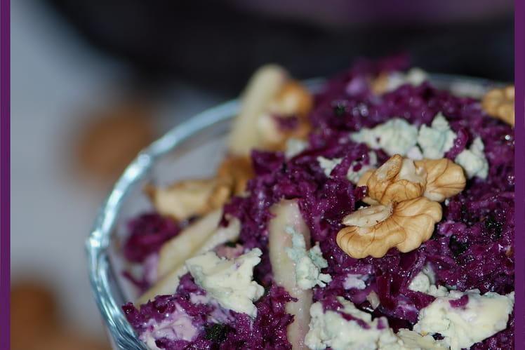 Recette De Salade De Chou Rouge Pommes Noix Et Roquefort La - Cuisiner du chou rouge