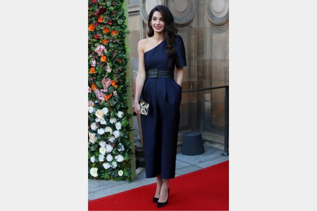 TOP: Amal Clooney en combinaison Stella McCartney