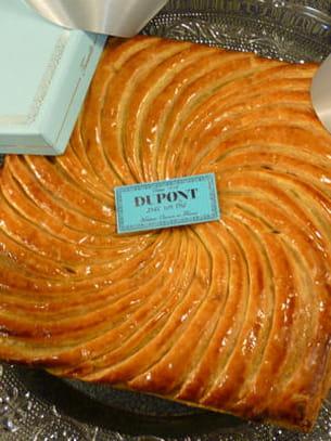 galette praliné de la maison dupont avec un thé