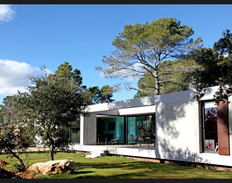 Une maison pour vivre dedans... ou dehors