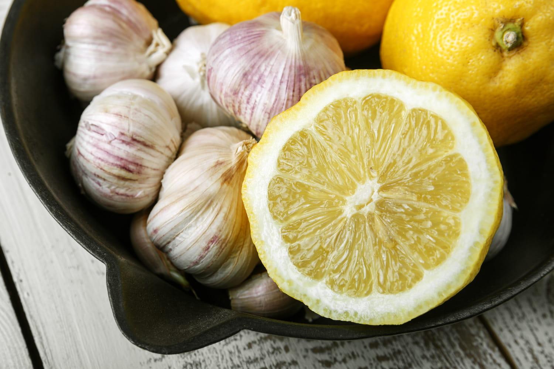 Remèdes naturels contre la grippe: ail, citron, miel…