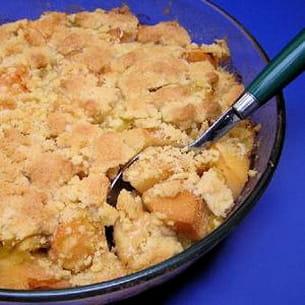 crumble aux coings, pommes et noix
