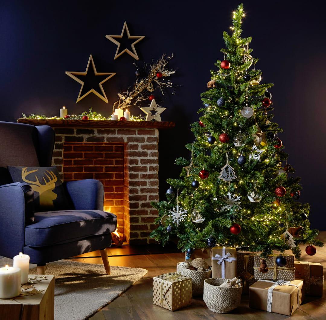 Sapin De Noel Avec Pied comment décorer le pied de son sapin de noël ? décoration