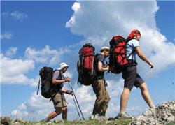 au-delà de 3000 mètres, ne grimpez pas plus de 500 m de dénivelé par jour.