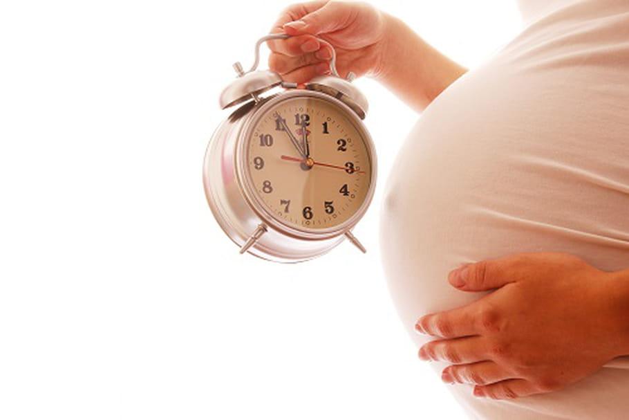 Méthodes naturelles pour déclencher l'accouchement: le vrai / faux