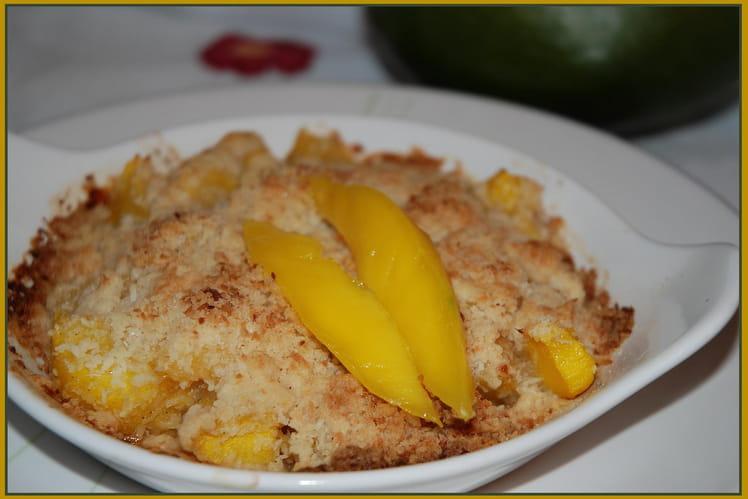 Crumble à la mangue aux épices et noix de coco