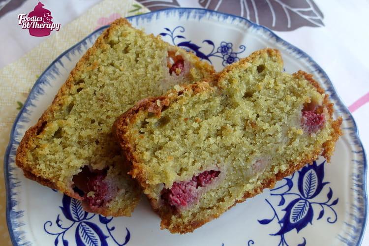 Cake au thé matcha et framboises sans beurre