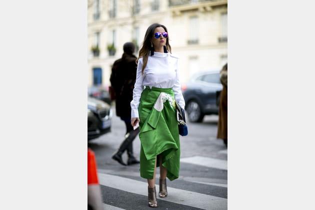 Street style à Paris : la chemise blanche