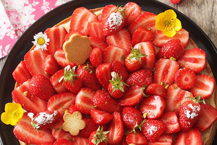 Tarte aux fraises et pistaches concassées