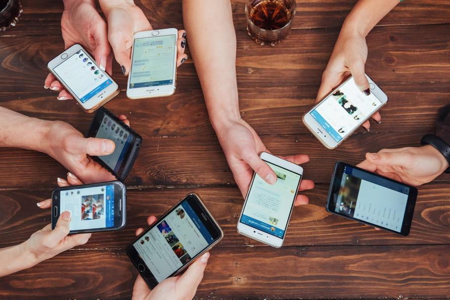Téléphones portables: la liste des modèles qui émettent trop d'ondes