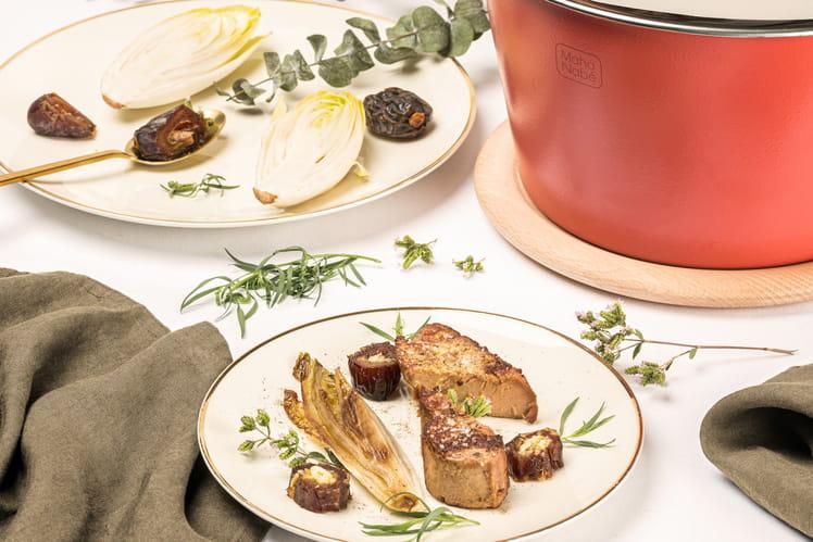 Foie gras chaud, dattes fourrées au citron et feuilles d'endives caramélisées