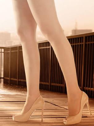de très longues jambes sont souvent associées à une forme de gigantisme.
