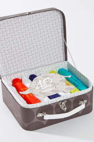 une valise de bodies pour les 40 ans de catimini.