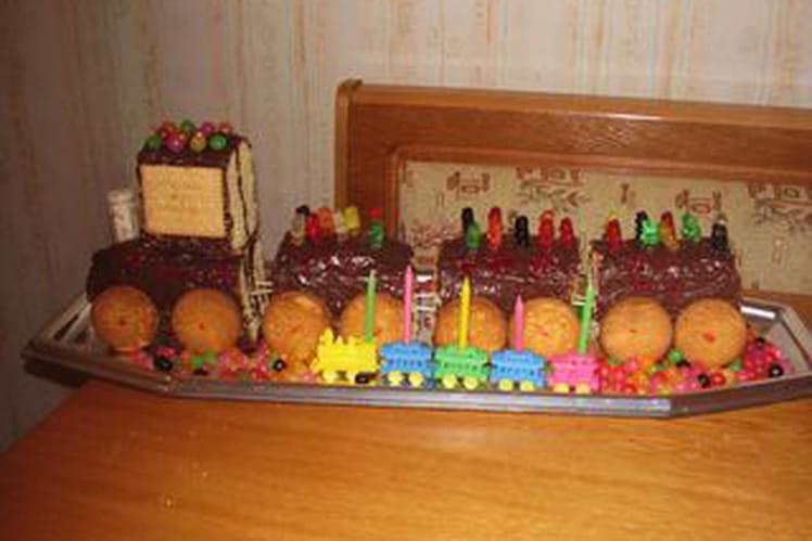 Train d'anniversaire aux palets bretons, bonbons et chocolat
