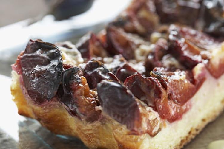 Tarte briochée aux prunes et aux épices
